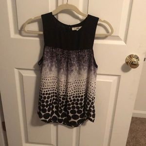 Gorgeous YA LA sleeveless top